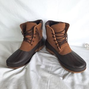 NWOT Canadiana winter boots